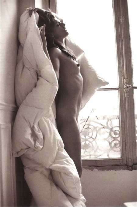 Milla Jovovich nude photos